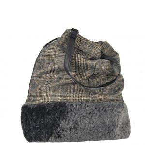 Τσάντα χεριού και χιαστί γυναικεία μαύρο πουγκί καρό